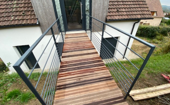Création d'une passerelle en bois à Deauville