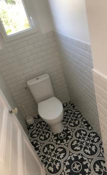 Rénovation des toilettes d'une maison à Deauville