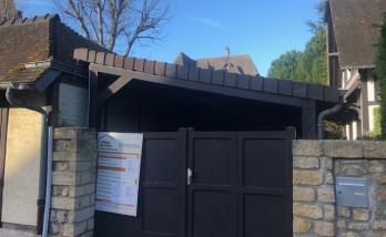Rénover le toit d'un appentis à Trouville