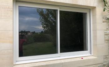 Installation d'une fenêtre à Honfleur